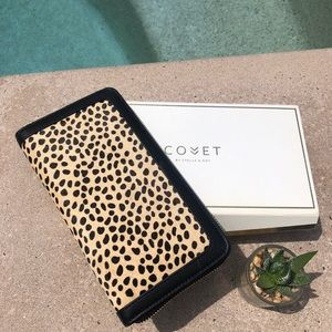 Stella & Dot Covet Mercer Wallet